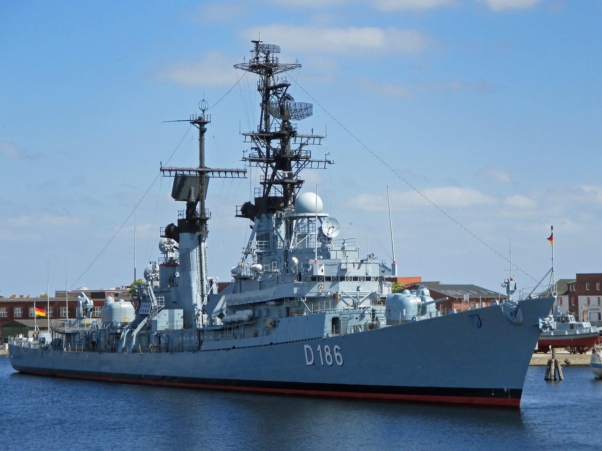 Unowocześnianie i rozwój polskiej marynarki wojennej