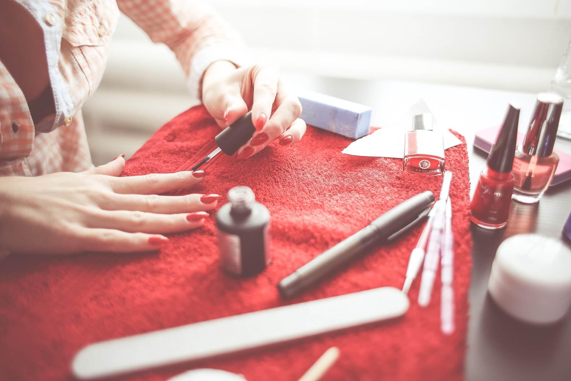 Jak poprawić wygląd paznokci?